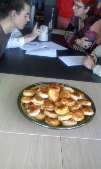 """Les pâtés-""""péyi"""" avec """"Mamouna Cabanotte"""", à Thurins (Rhone-Alpes, France), le 31 mai 2015"""